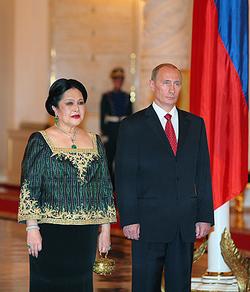 Королева Сирикит и Владимир Путин