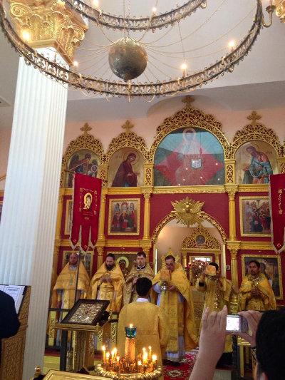 Соборная Божественная Литургия в день памяти св. Царственных Страстотерпцев в Хуахине (Таиланд)