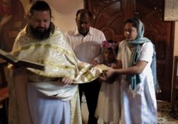 Hieromonk Seraphim (Raicea) performs the Orthodox rite of reception from the Roman Catholic faith