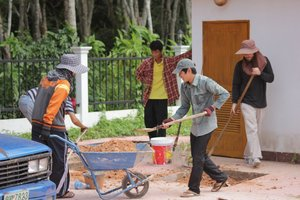 Orthodox young people in Thailand are working at the Holy Trinity Church in Phuket.