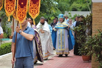 Procession with the cross in Holy Dormition monastery in Ratchaburi