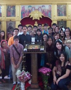 In the photo: A group of students from the Thammasat University in Bangkok are in the All Saints Church in Pattaya (Chonburi province)