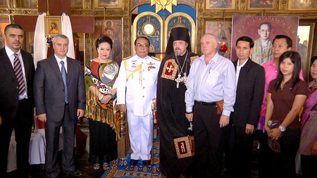 A group photo of the participants of the civil ceremony of the Holy Dormition Monastery in Ratchaburi