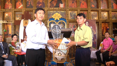 Charitable donation (sports equipment) to three schools in the district where the monastery is located. Left - the secretary of the Foundation of the Orthodox Church in Thailand Kvamchay (Nikolai) Manichat